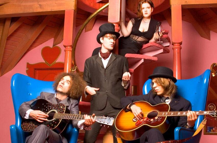 15 anos depois de Thirteen Tales From Urban Bohemia: Por onde anda o The Dandy Warhols?