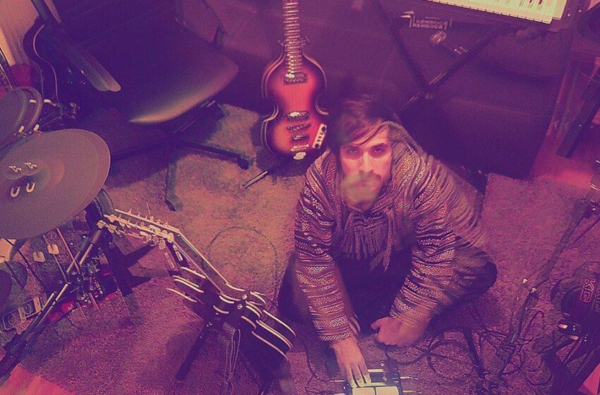 """Misturando Dream Pop e Psicodelia Pampas Deer faz """"rock lombrante"""""""