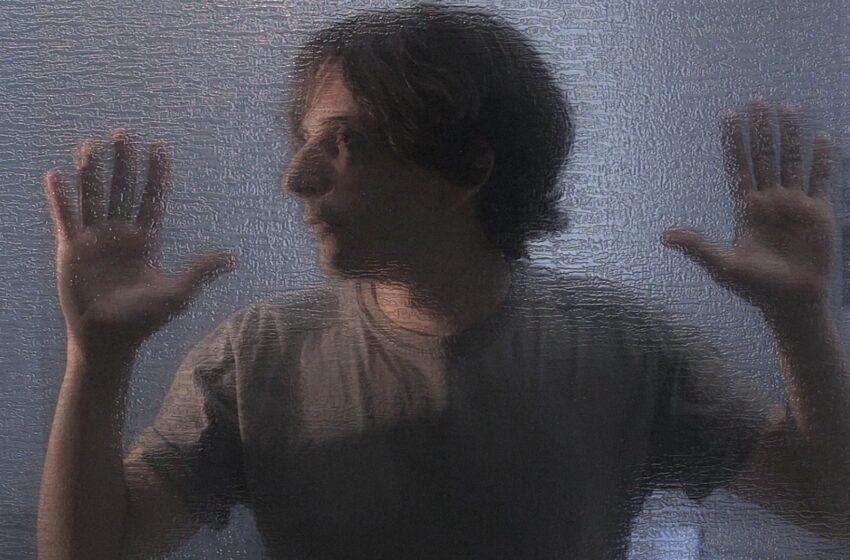 [Premiere] O equilíbrio e a insegurança da vida a dois são retratados no novo clipe do WRY