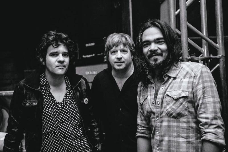 """Riviera Gaz extrai a essência do rock'n'roll no empoeirado """"Connection"""""""