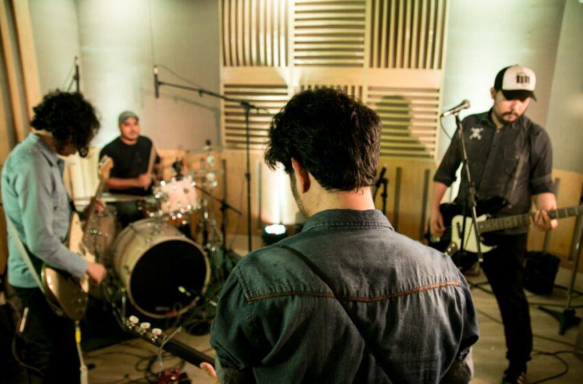 [Premiere] Com direito a versão para clássico dos anos 80, Meio Amargo lança live session