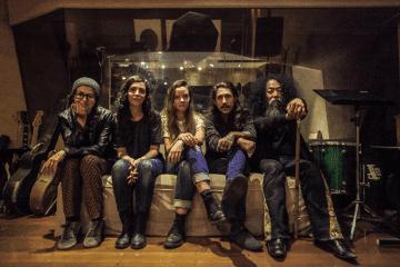 Ema Stoned, Douglas Leal e Makoto Kawabata (Acid Mothers Temple) – Foto Por: Oswaldo Corneti
