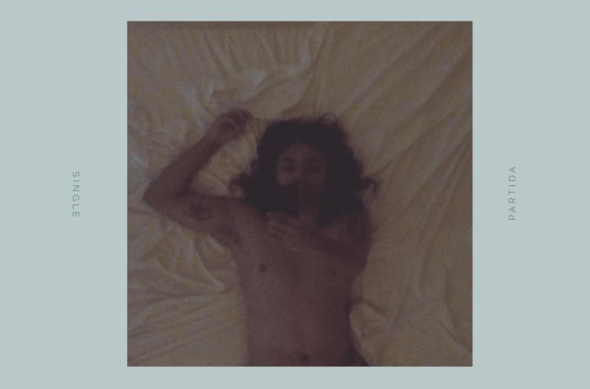"""[Premiere] Pablo Vermell (Los Volks) mostra seu lado bedroom pop / lo-fi no single """"Partida"""""""