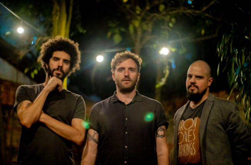 Naked Girls & Aeroplanes irá encantar fãs de Wilco com seu novo single