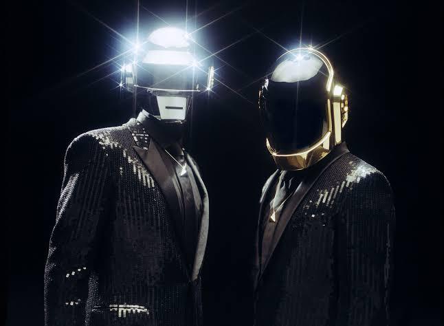 Após rumores de novo álbum e 28 anos de carreira, Daft Punk anuncia o fim