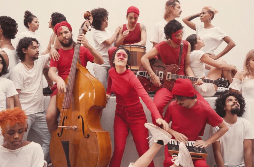 "YPU incorpora os demônios da cidade no vídeo para ""In Circles"""