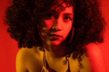 Victoria Saavedra - Foto Por Sofia Colucci - artistas e bandas colombianas