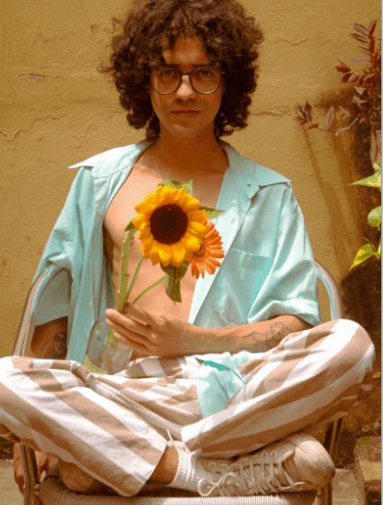 """Pregando que """"Amor é liberdade"""", Dieguito Reis lança """"O Que Chamam de Amor"""", seu novo single."""