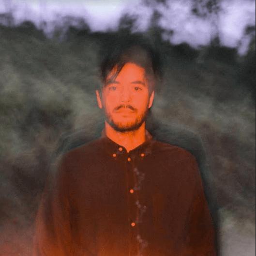 Ale Sater, vocalista do Terno Rei, lança o primeiro single de seu segundo trabalho solo