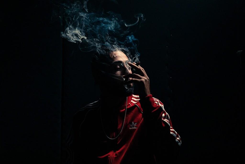 Irac ZS foto rapper fumando