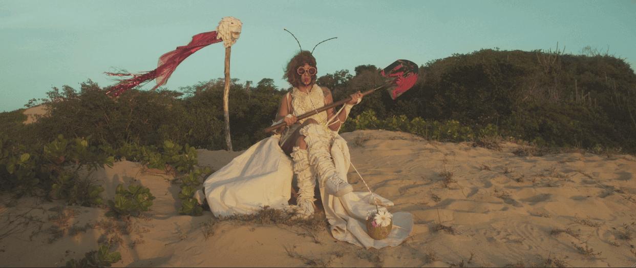 A cantora sergipana Sandyalê no clipe para -Bruta- - Foto por Vicente Otávio
