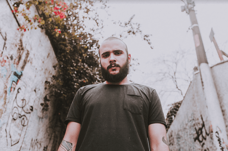 O vocalista e tecladista Victor Meira (Godasadog, Bratislava) - Autoretrato 2021