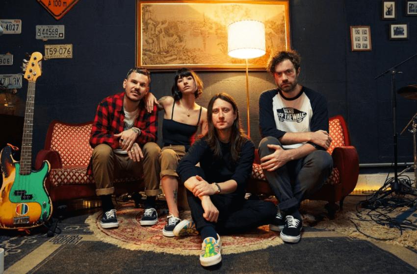 """Violet Soda lança série de EPs """"Unplugged"""" e revela quais são os Acústicos da MTV favoritos de cada integrante"""